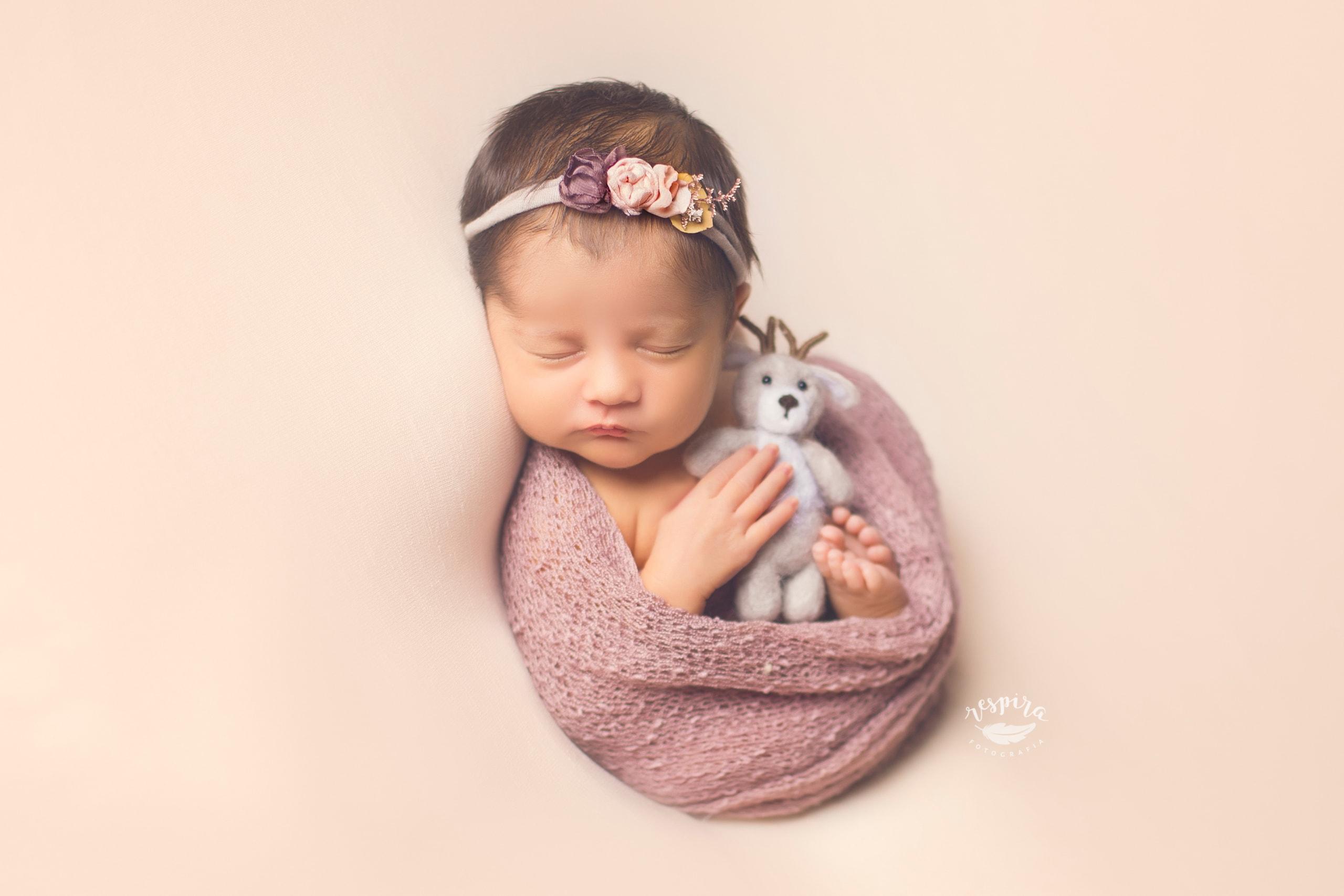 Fotografo de bebes newborn en barcelona olesa