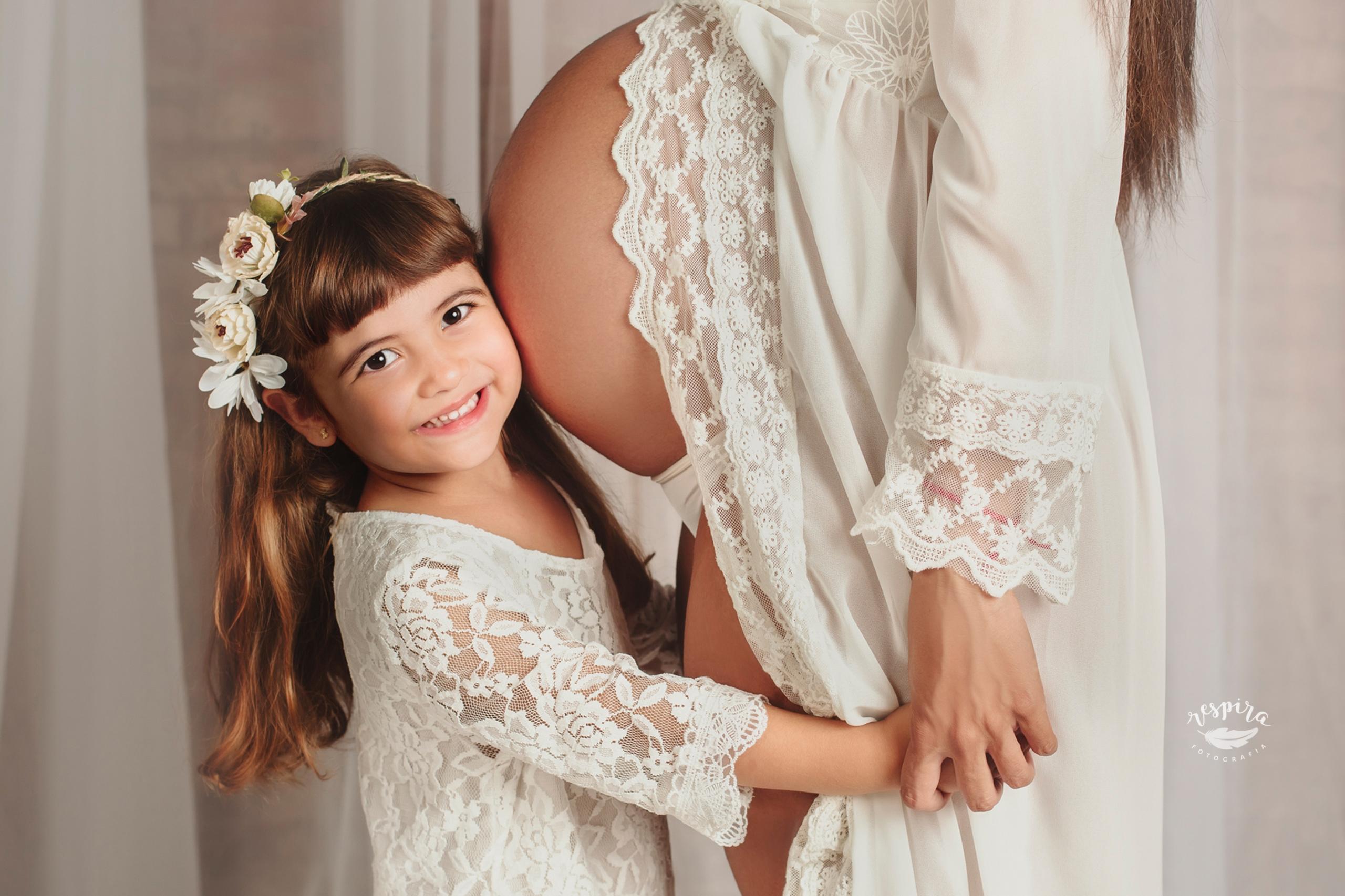 Fotografia embaras a olesa barcelona fotograf de maternitat